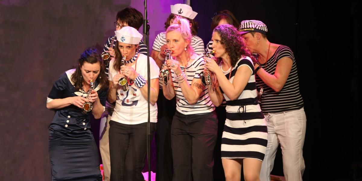Le chœur de sages-femmes «Midwifecrisis» en action