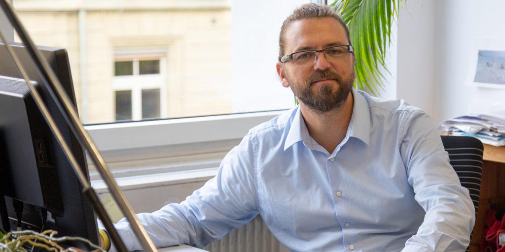 Dr. Tobias Fritschi, Dozent für Ökonomie am Departement Soziale Arbeit und Stv. Leiter des BFH-Zentrums für Soziale Sicherheit.