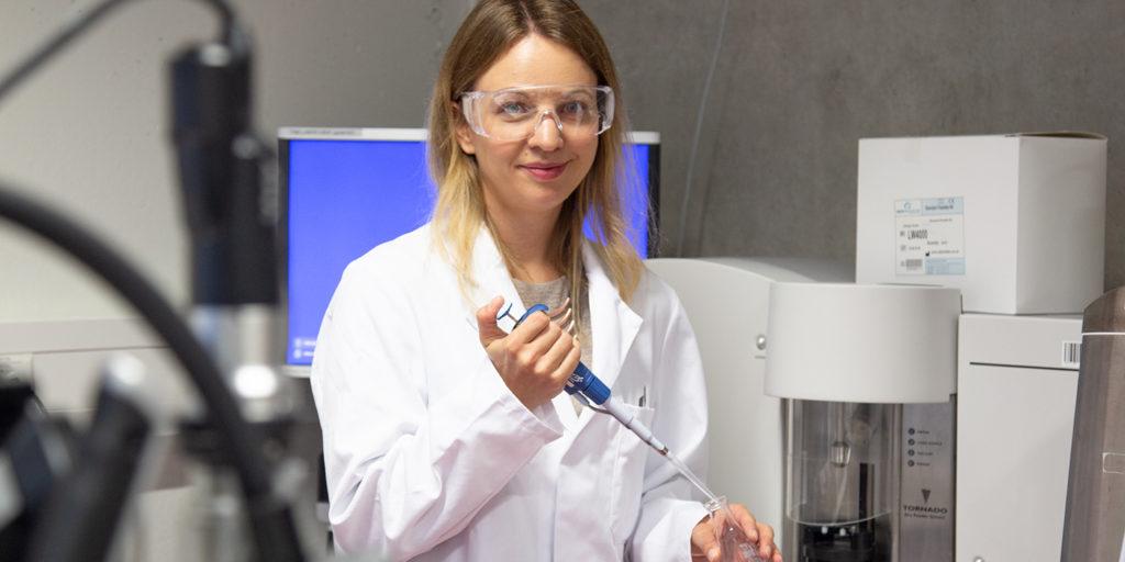 Dr. Katrin Kopf, wissenschaftliche Mitarbeiterin im Forschungsfeld Lebensmittelverarbeitung der BFH HAFL.