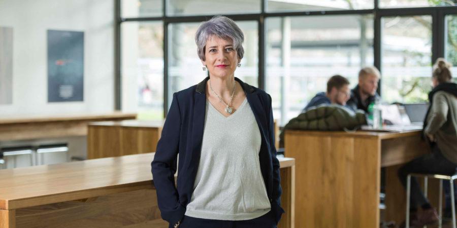 Prof. Ingrid Kissling, directrice du département Gestion et présidente de la commission du développement durable de la Haute école spécialisée bernoise.