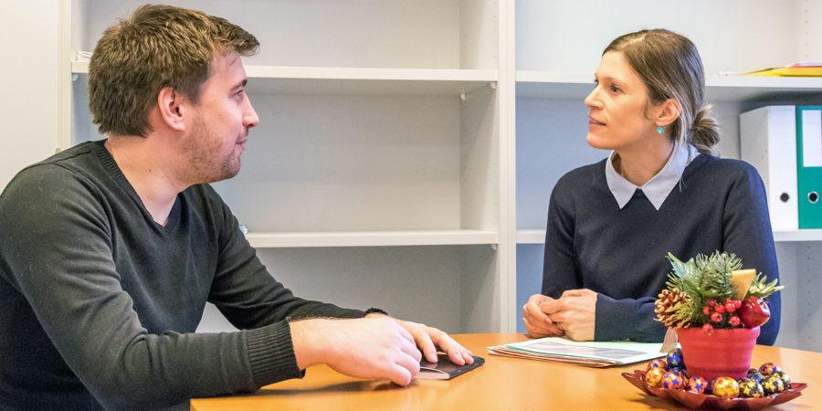 Franziska Salvisberg und Nicolas Volkoff von der Hochschule für Agrar-, Forst- und Lebensmittelwissenschaften HAFL treffen sich wöchentlich zum Sprachtandem.