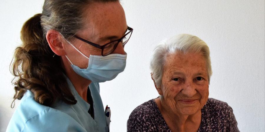 Katrin Bader und Patientin